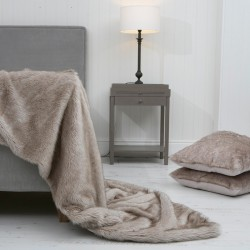 Husky Wolf XL Luxury Faux Fur Throw