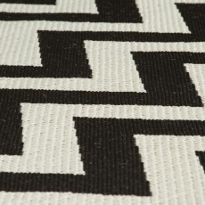 ZigZag Small Black & Natural Rug