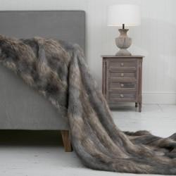 Stripy Wolf XL Luxury Faux Fur Throw