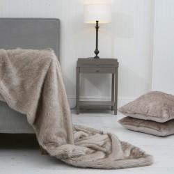 Husky Wolf XL Luxury Faux Fur Throw